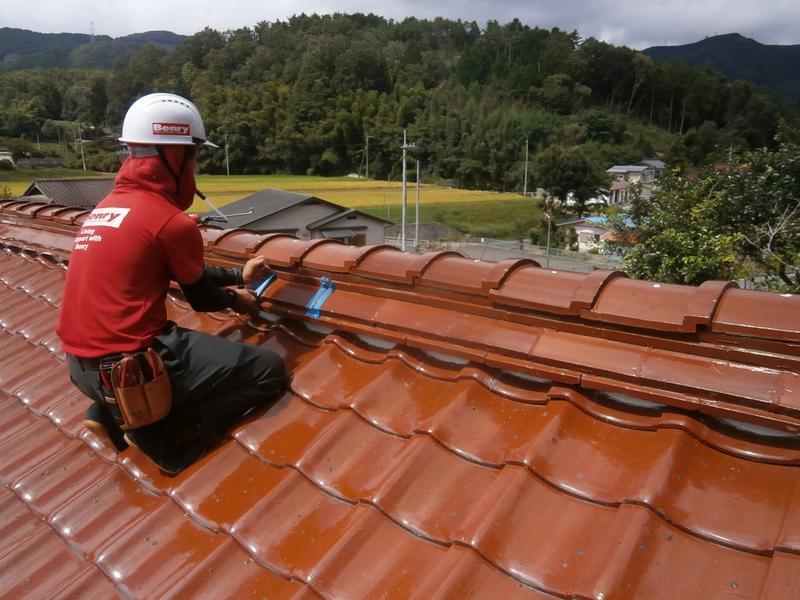 屋根瓦の補修